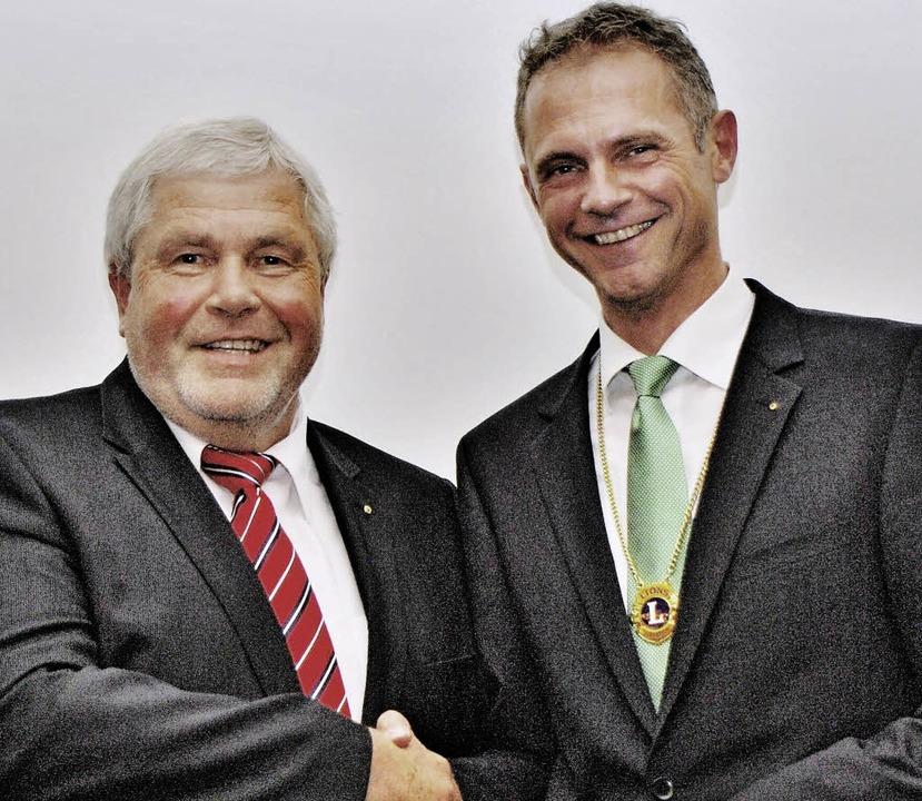 Franz Harich (links) übergibt an Clemens Kirchherr.   | Foto: Privat