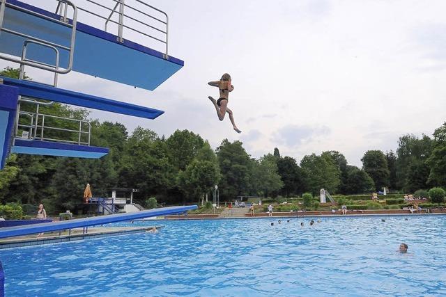 Schwimmbad und Hauptstraße werden nach den Sommerferien saniert