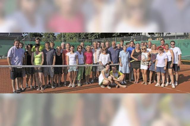 Tennis jetzt auch auf Kunstrasenplatz