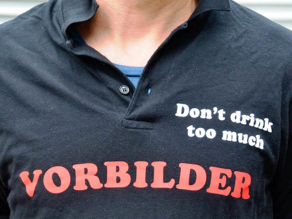 Weiß auf schwarz: Don't drink to...211;  eine Aktion gegen Alkoholexzesse  | Foto: Babeck-Reinsch