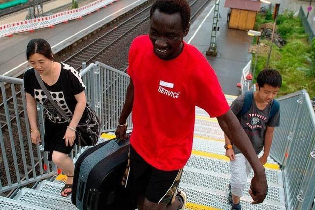 Flüchtlinge als Kofferträger: Bahn beendet Integrationsprojekt