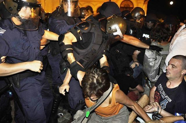 Demonstranten blockieren Parlament