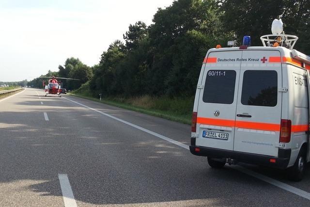 Unfall auf der A5 bei Neuenburg führt zu langem Stau – Vier Menschen verletzt
