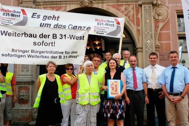 Pro B31 West - Bürgerinitiativen übergeben Unterschriftenlisten