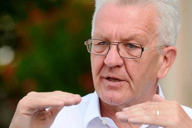Kretschmann will auch an die Beamtenpensionen