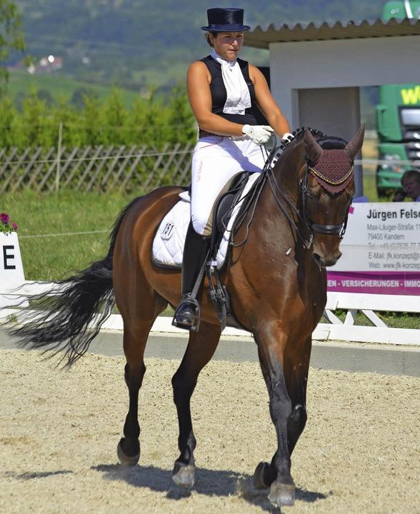 Doppelsiegerin in Klasse S: Carolyn Wittenborn auf Mozart     Foto: J. Dippel