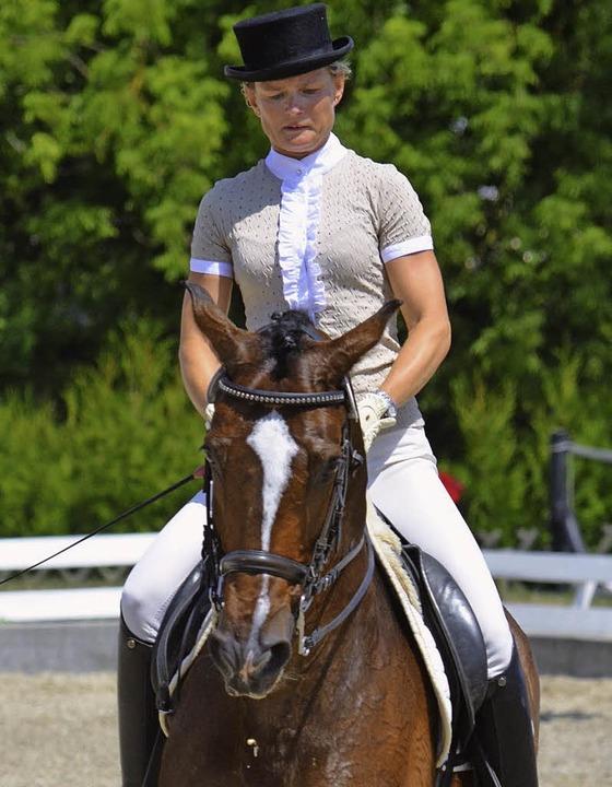 Fünfte in Klasse S: Nicole Grundmann auf Crescendo    Foto: Jochen Dippel