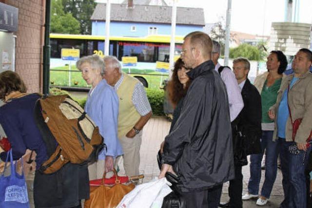 Langer Stau lediglich vorm Fahrkartenautomat