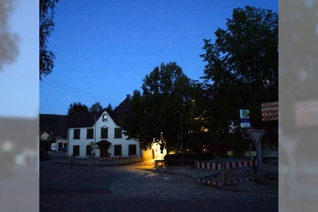 Dunkelheit im Dorf