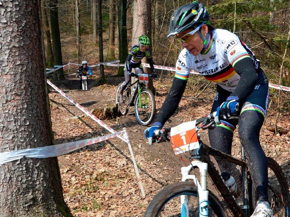 In Aktion: Die dreifache Olympiamedail...ike-Rennen im April in Bad Säckingen.   | Foto: Michael Gilg