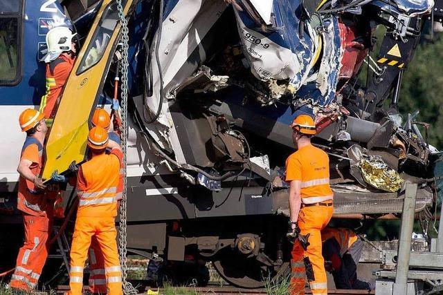 Schweizer Zugunglück: Lokführer soll Rotlicht übersehen haben
