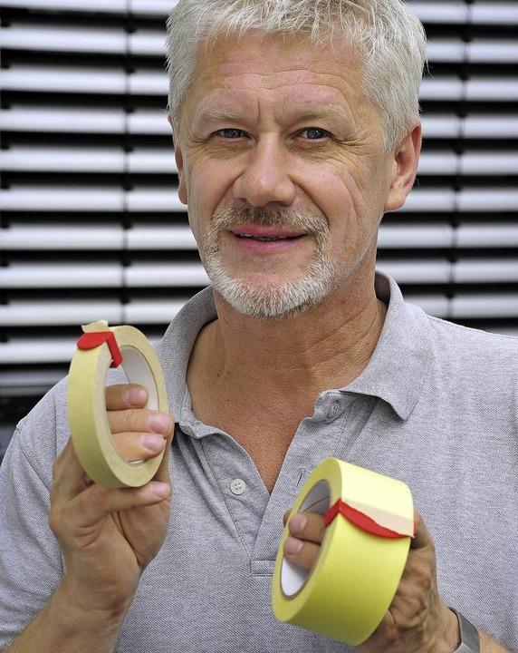 Helmut Albert mit seiner Erfindung, dem Clipsolo.   | Foto: Thomas Kunz