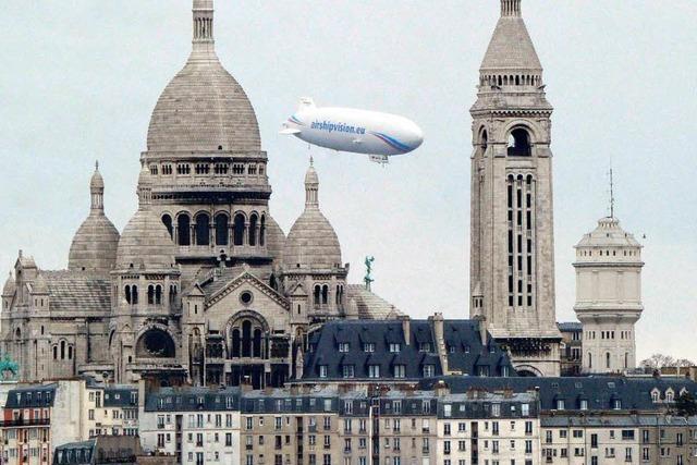 Mit dem Zeppelin über Paris schweben