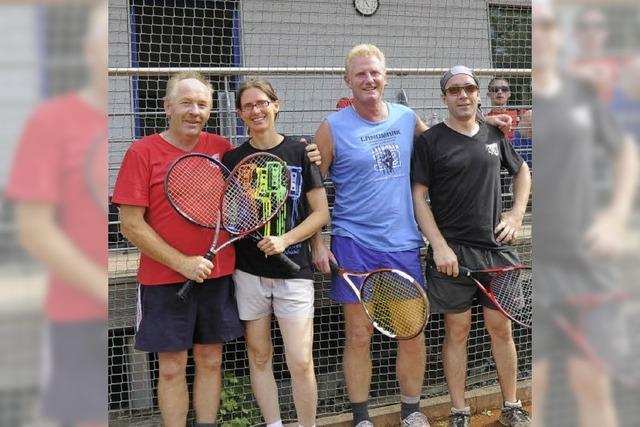 Meister beim Tennisclub ausgespielt