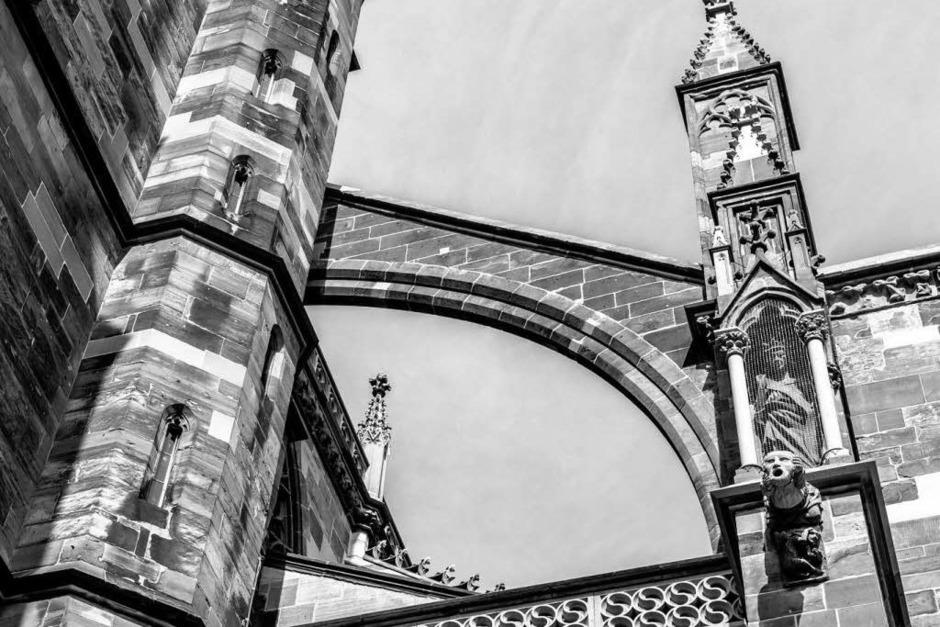 In Schwarz-Weiß kommt das Münster besonders gut zur Geltung. (Foto: Carlotta Huber)