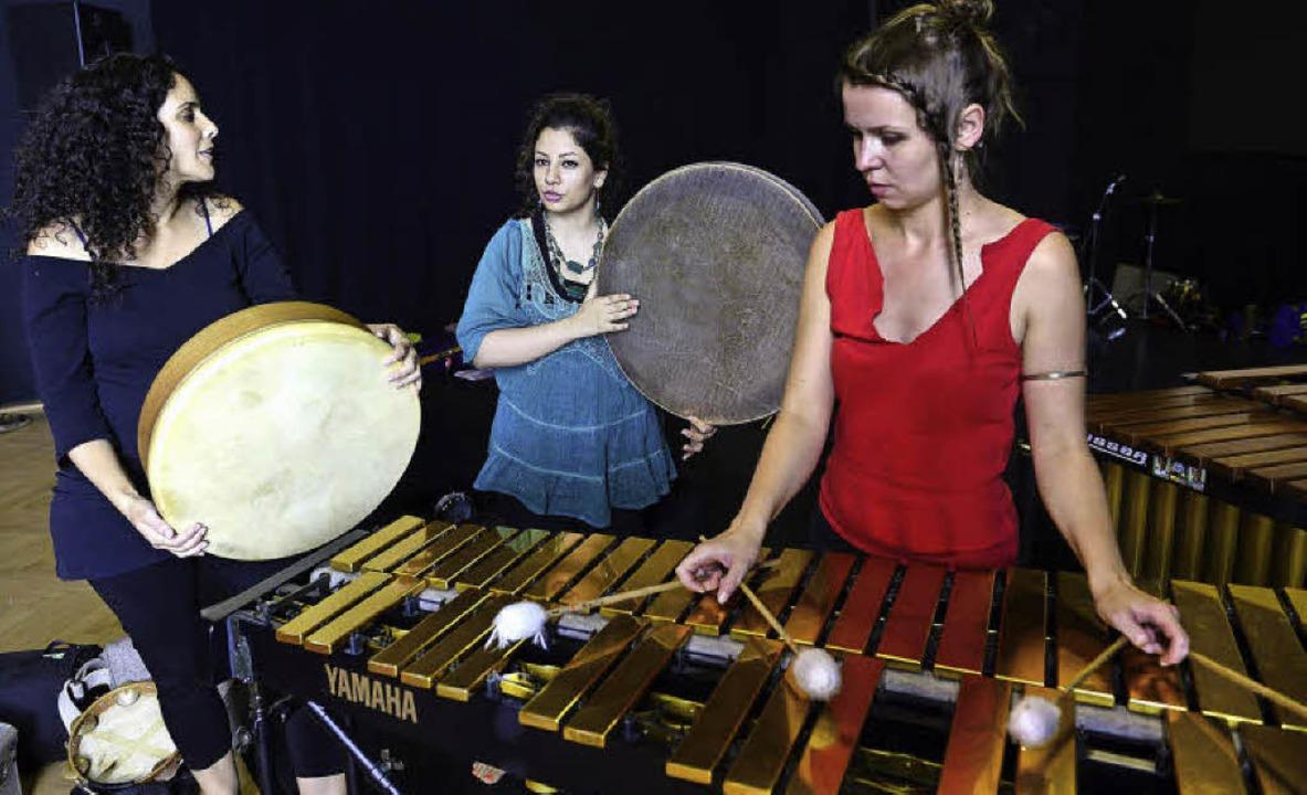 Ayelet Ori Benita aus Israel, Maryam H...eim Tamburi Mundi Festival im  E-Werk.  | Foto: ingo schneider