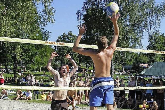 Volleyballspiele im Sandkasten