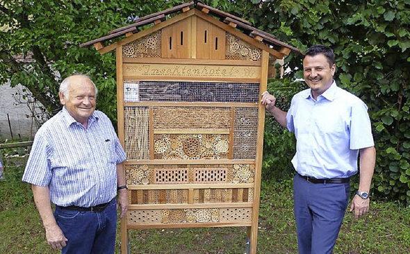 insektenhotel lockt g ste murg badische zeitung. Black Bedroom Furniture Sets. Home Design Ideas