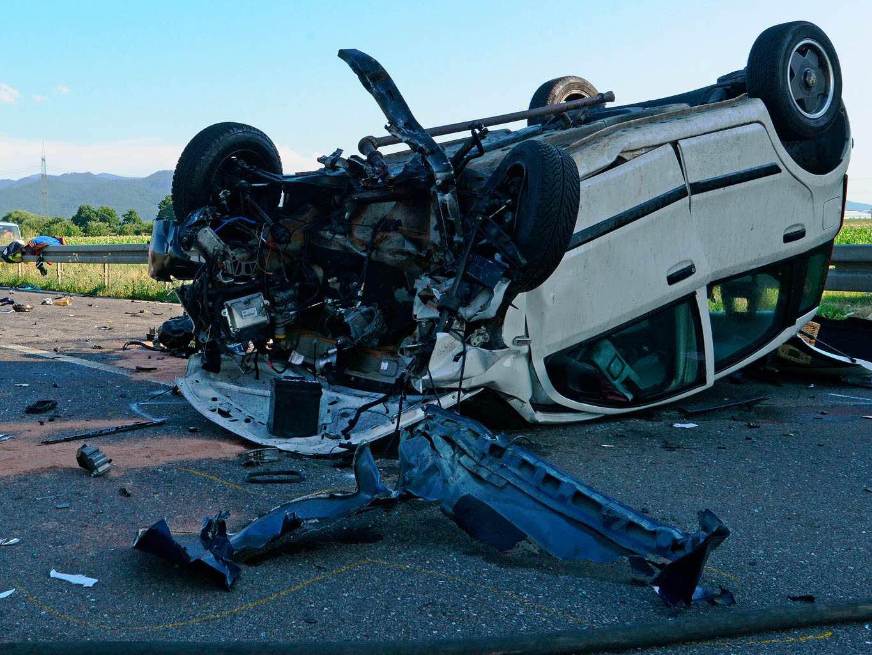 Bad Krozingen Auto Kracht Auf Cabrio Beifahrerin Stirbt Bad