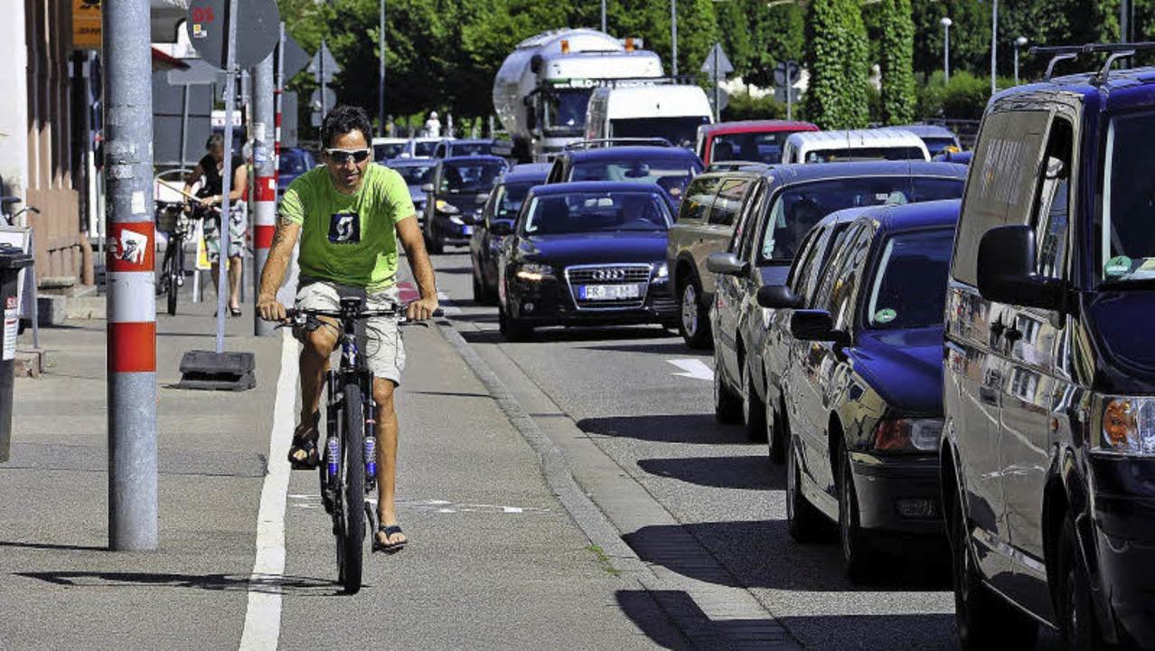 Ralf Egle (auf dem Rad), Mitinhaber dr...n, vor allem nach E-Bikes, ausgemacht.  | Foto: thomas kunz