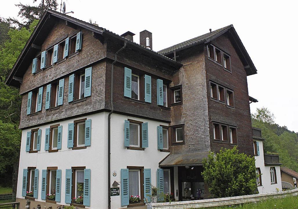 Das Steinabad blickt auf eine lange Tr...ie zur Erholung im Schwarzwald waren.   | Foto: Weishaar/Archiv