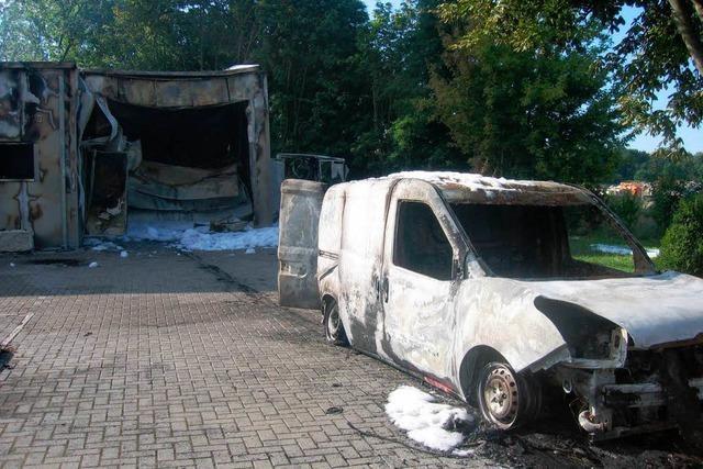 Zerstörten Brandstifter die Produktionshalle einer Metzgerei?