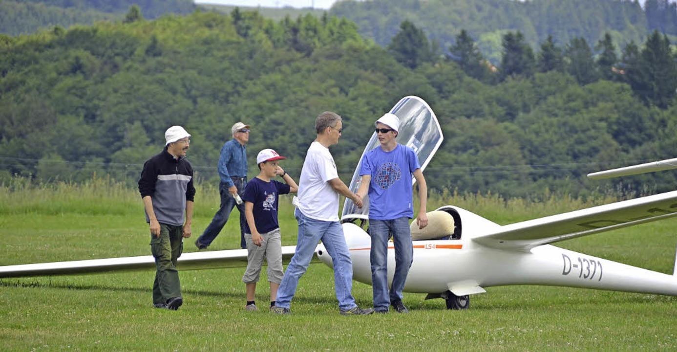 Gut gemacht! Je mehr die Flugschüler f... ist beim Segelfliegen die  Erfahrung.  | Foto: Ralph fAutz