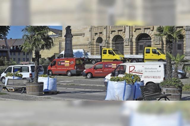 Parken und pausieren unter Palmen
