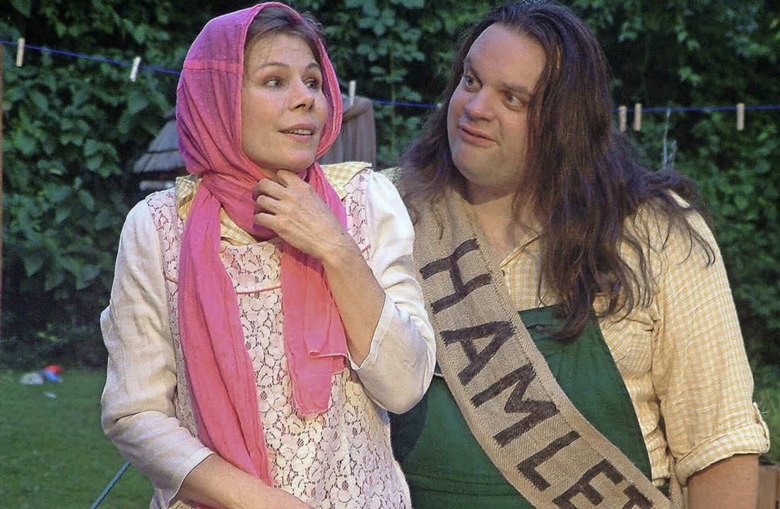 "Tanja Horisberger und Manuel Müller in...hauspiel ""Hamlet for You""   | Foto: Roswitha Frey"