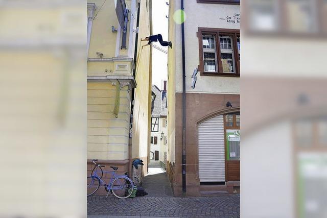 Raffael Armbruster: Weltrekordversuch im Gassenklettern