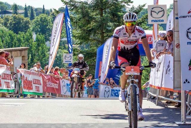 Robert Mennen gewinnt Trans-Schwarzwald