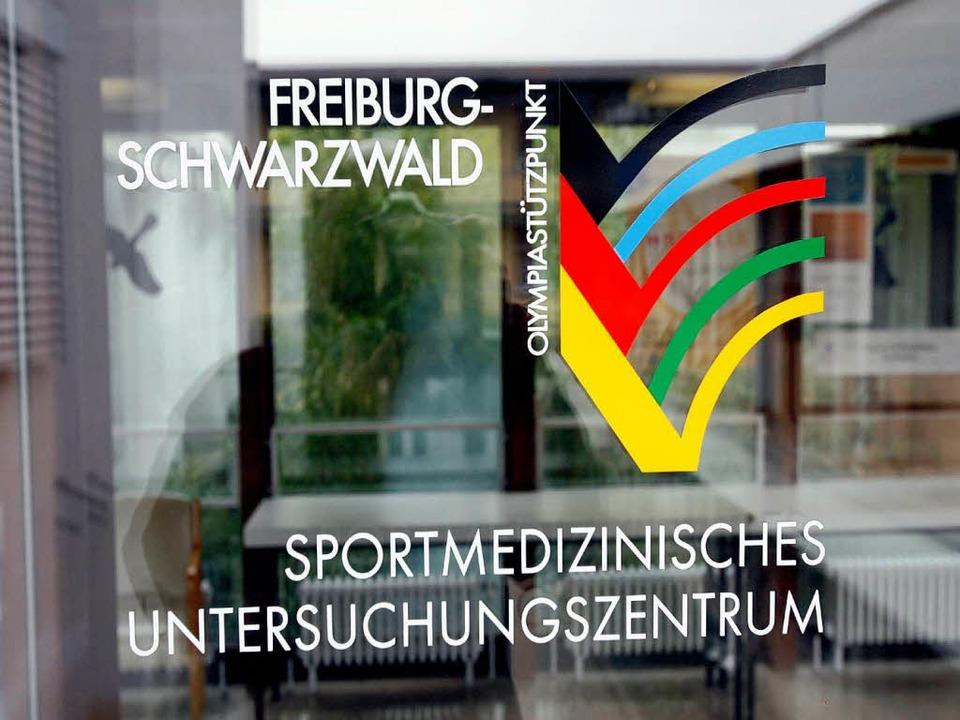 Wie tief hat sich die Freiburger Sport...nd wie lässt sich das Ganze aufklären?  | Foto: A2070 Rolf Haid
