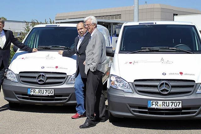 Elektrounternehmen Ullmann: Elektriker im Elektroauto