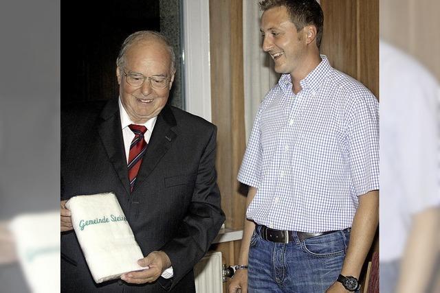 Benjamin Leonhardt als neuer Ortsvorsteher von Endenburg vereidigt