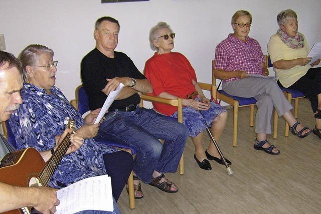 Senioren singen mit Eberhard Jäckle