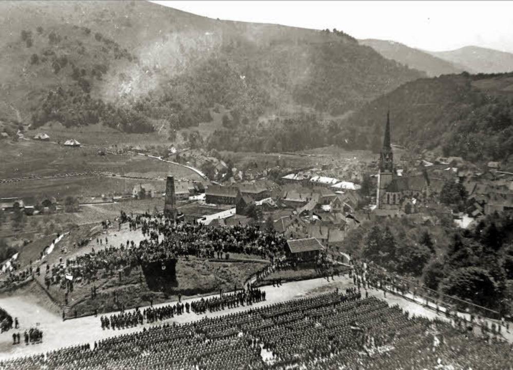 In seiner Heimatstadt Schönau wurde  f...ialisten nach 1933 große Paraden aus.   | Foto: repro: harald senn/fotos: sattelberger