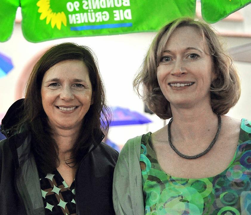 Wahlkampf im Regen: die grüne Spitzenk...ie Grünen-Abgeordnete Kerstin Andreae   | Foto: rita eggstein