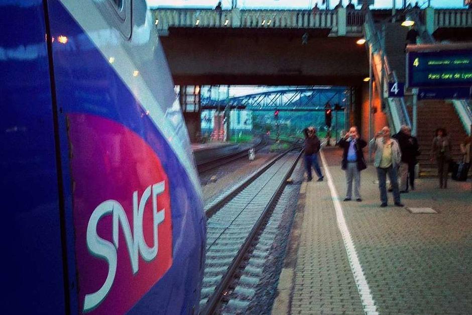 Der erste TGV von Freiburg fährt nach Paris. (Foto: Röderer Joachim)