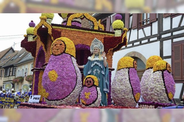 Große Parade mit Blumen und Zucker
