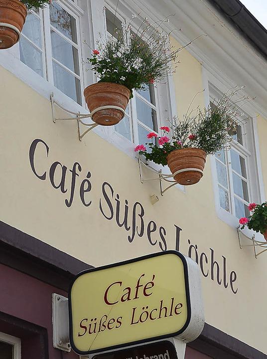 Adresse für kostenloses Lesevergnügen: das Café Süßes Löchle am Urteilsplatz  | Foto: Christian Kramberg
