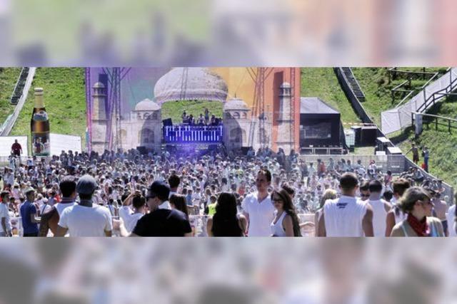 Holi-Festival in Weil: Der Dreiländergarten als Dancefloor