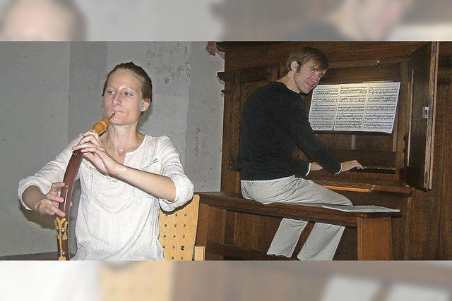 Flötentöne geben der Marktmusik eine besondere Note