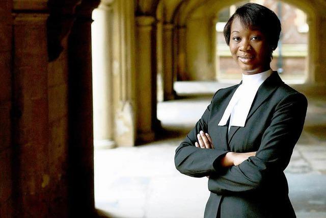 18-Jährige ist Großbritanniens jüngste Anwältin