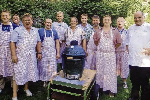 Die elf Herren vom Grill