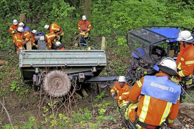 Wehr und Forstleute üben den Ernstfall