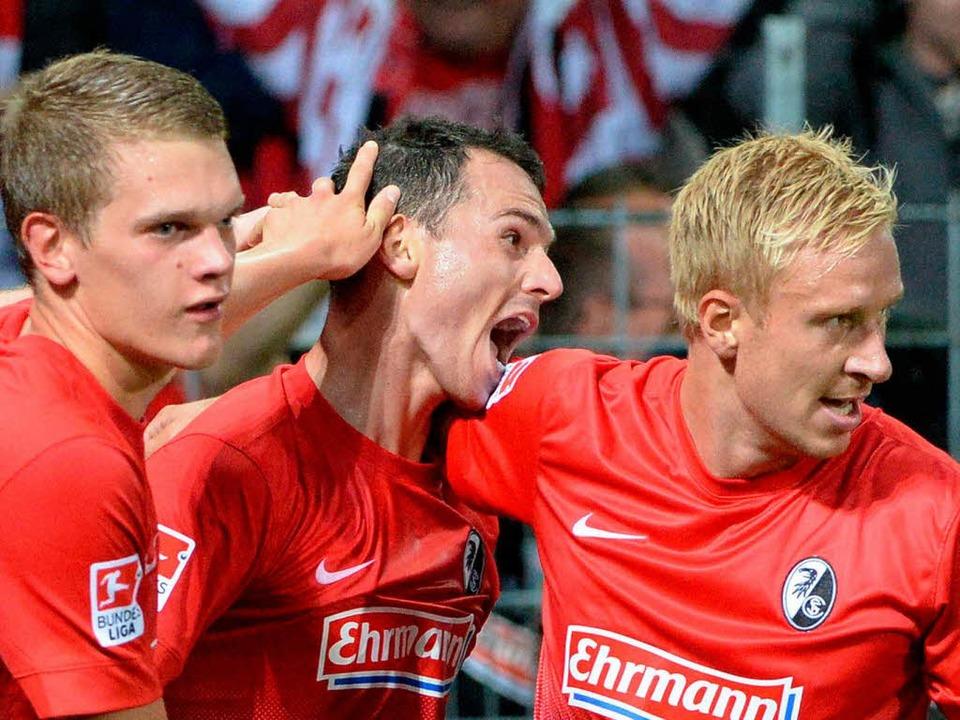 Nicolas Höfler schoss den SC Freiburg zum 1:1.    Foto: dpa