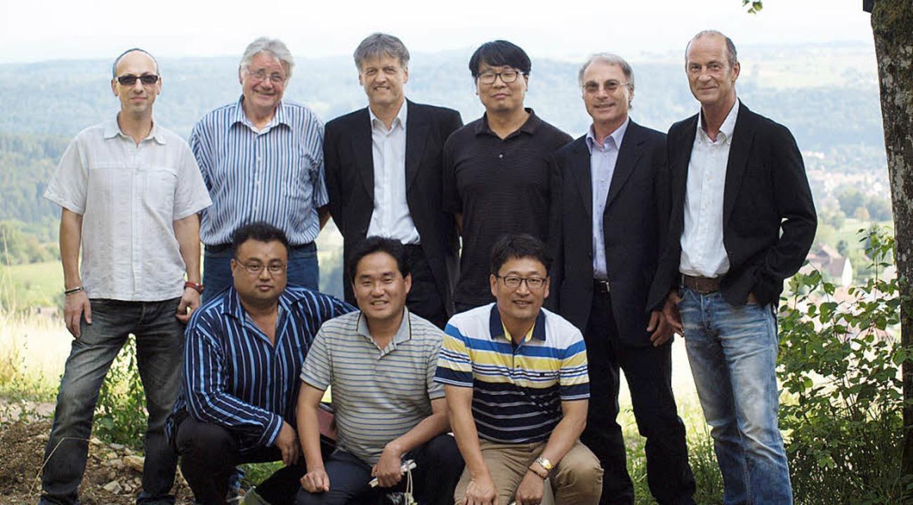 Das Energiedorf Hägelberg wird inzwisc...gation aus Südkorea über das Projekt.   | Foto: Privat