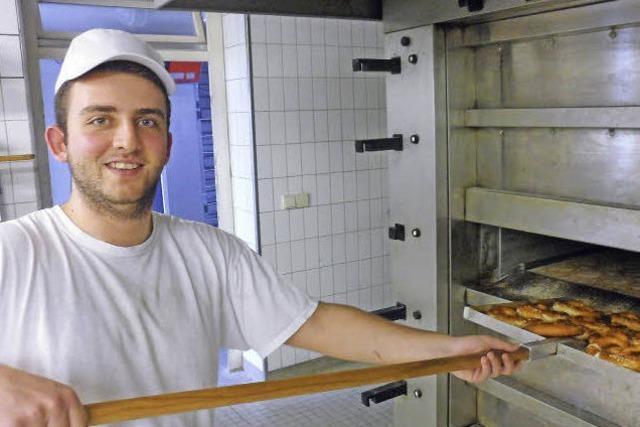 Ausbildungsberuf Bäcker: Panagiotis Theofanidis hat den richtigen Dreh für die Brezel