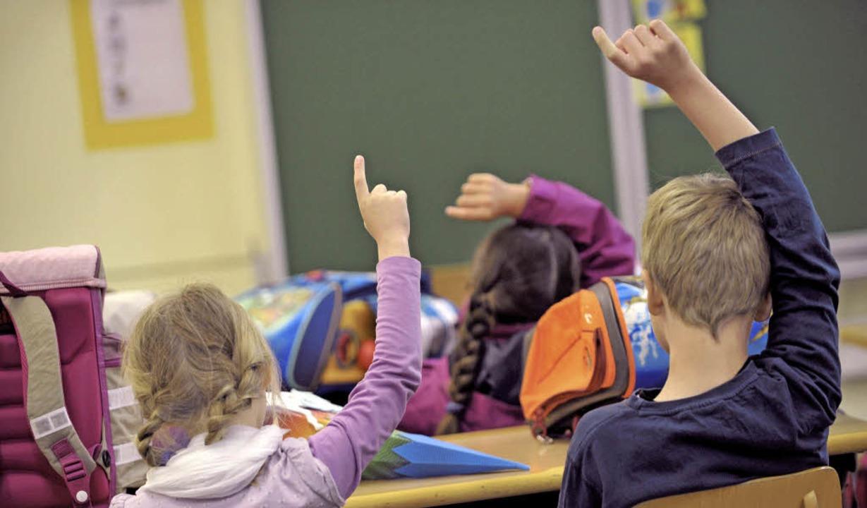 Bald lernen sie wieder – in der kommenden Woche ist Schulbeginn.   | Foto: DPA