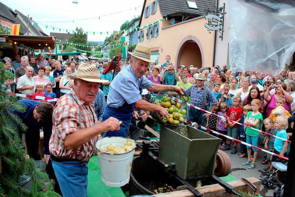 Brauchtum und Wein zogen viele Gäste nach Eichstetten und Merdingen (Foto: Mario Schöneberg)
